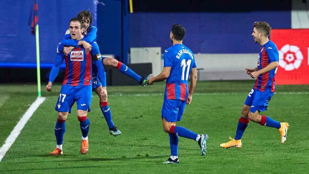 El Eibar celebra el gol de Kike García