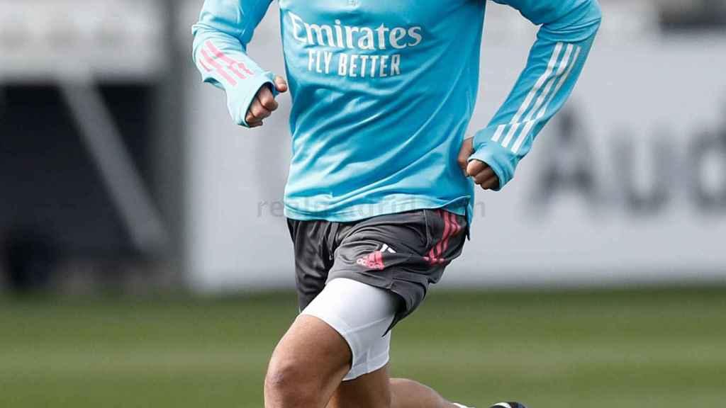 Lucas Vázquez se entrena con el Real Madrid
