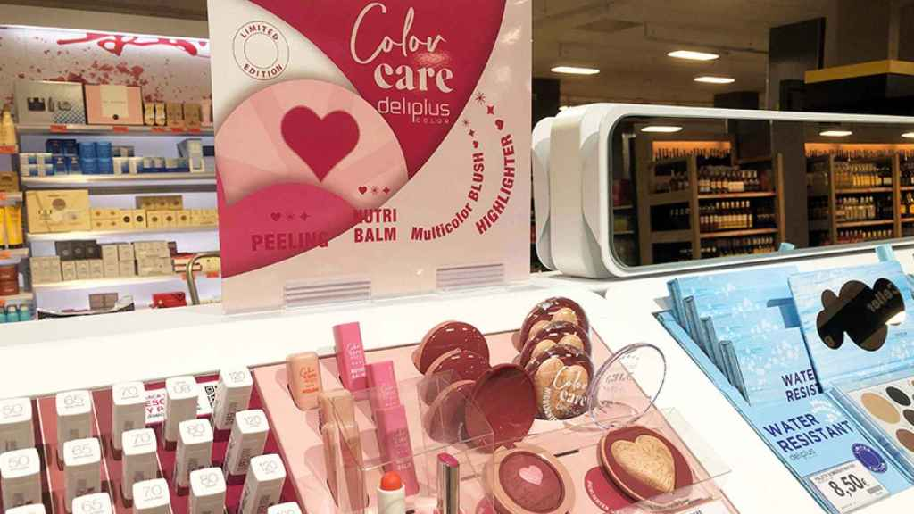 La línea Color Care  llega con fuerza al supermercado entre tonos rosados y corazones