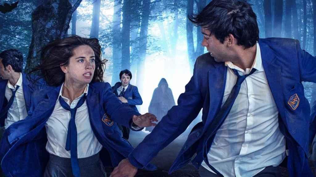 Asia Ortega y Albert Salazar protagonizan 'El internado: Las Cumbres'.