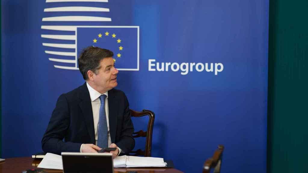 El presidente del Eurogrupo, Paschal Donohoe, se opone a subir el impuesto de sociedades al 15%