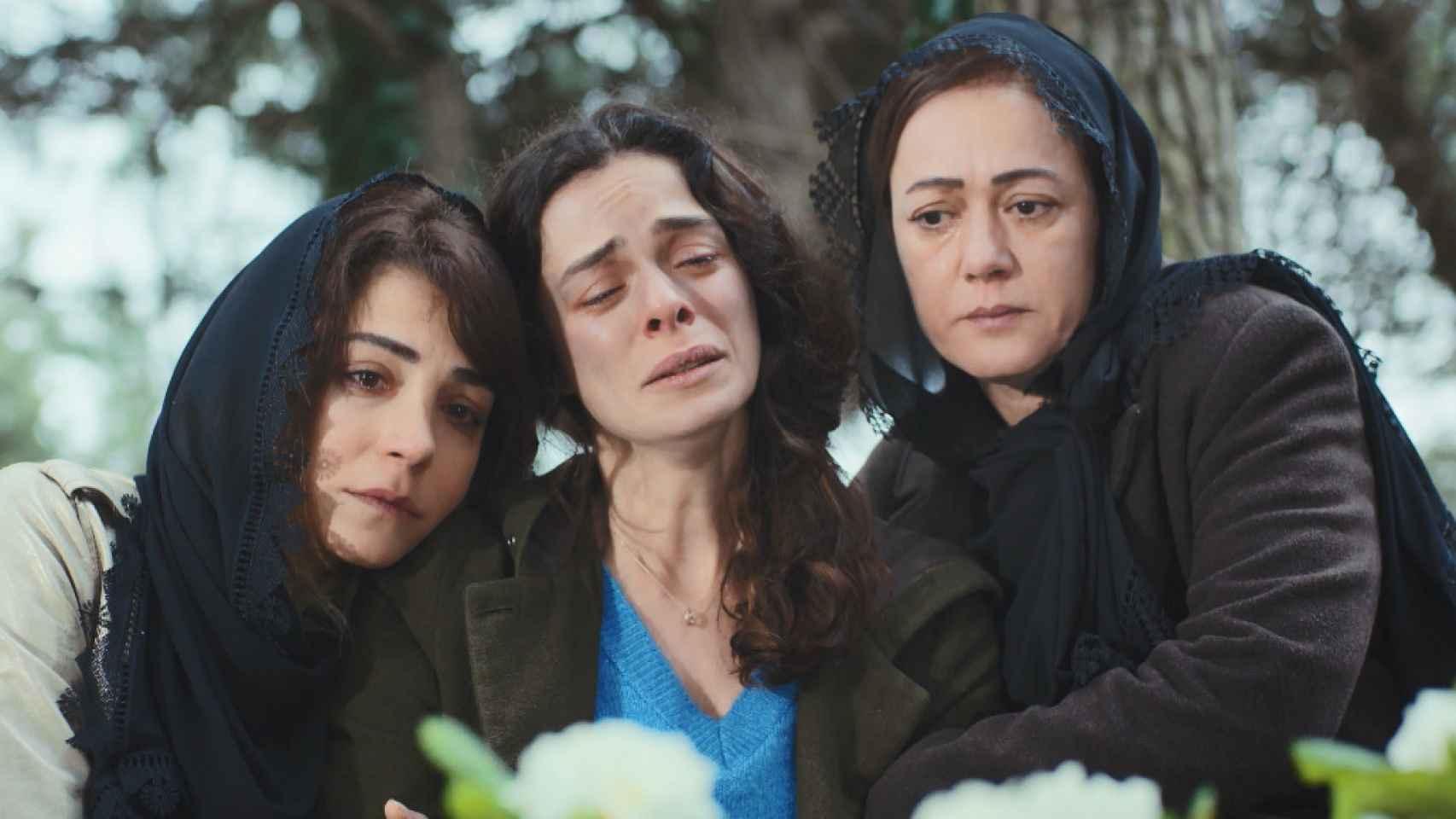 Avance en fotos de la segunda parte del capítulo 50 de 'Mujer' que Antena 3 emite este martes 16