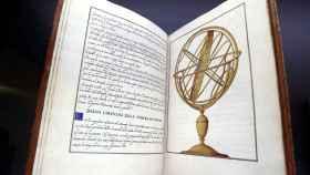 Vista de unos libros explicativos que forman parte de la exposición.