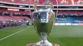El trofeo de la UEFA Champions League