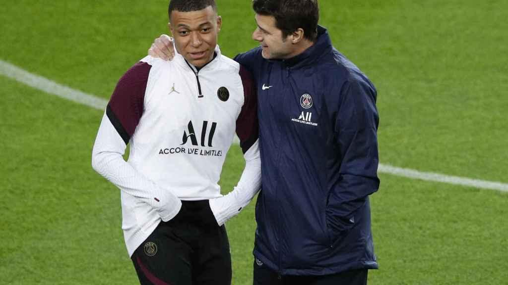 Kylian Mbappé y Mauricio Pochettino, durante un entrenamiento