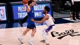 Facundo Campazzo, frente a Los Ángeles Lakers