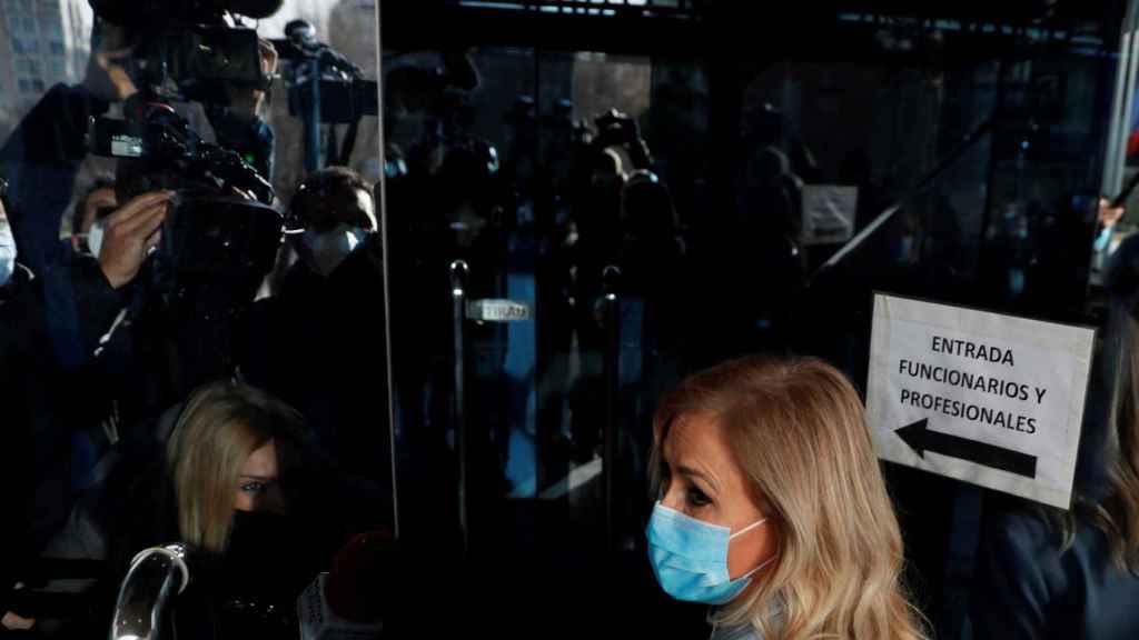Cristina Cifuentes a su llegada a la Audiencia Provincial de Madrid para conocer la sentencia.