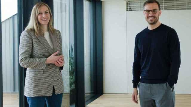 Paloma Real, directora general de Mastercard en España, y Sergio Cerro, CEO de Rebellion Pay. Foto: Pilar Brañas