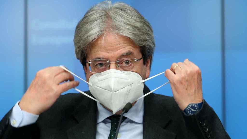 El comisario de Asuntos Económicos, Paolo Gentiloni, durante la rueda de prensa de este lunes