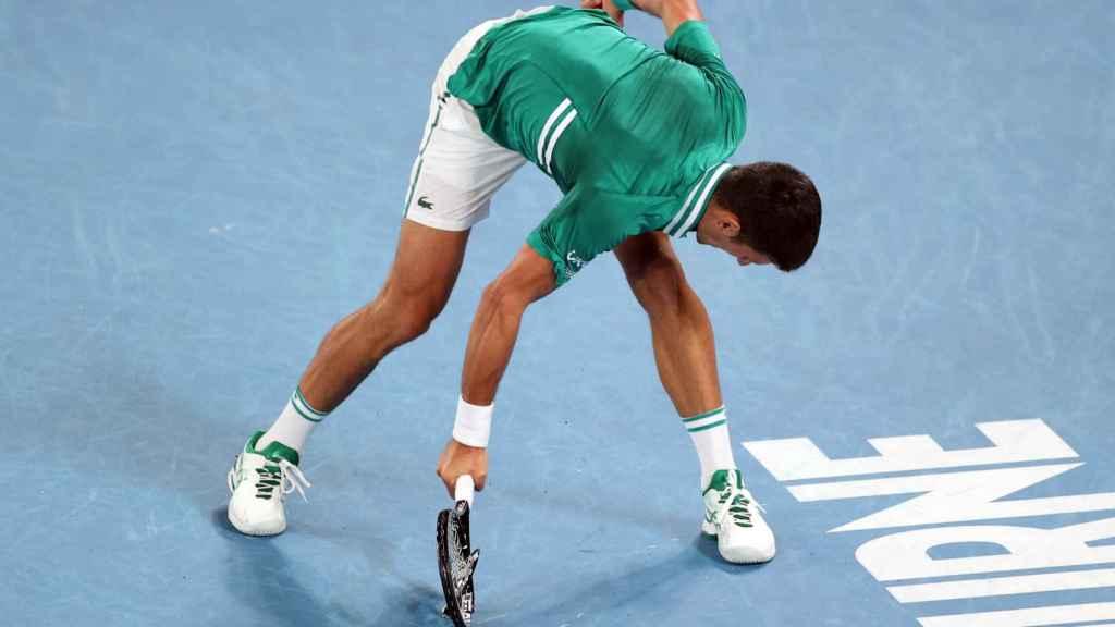 Novak Djokovic, desquiciado durante su partido ante Alexander Zverev