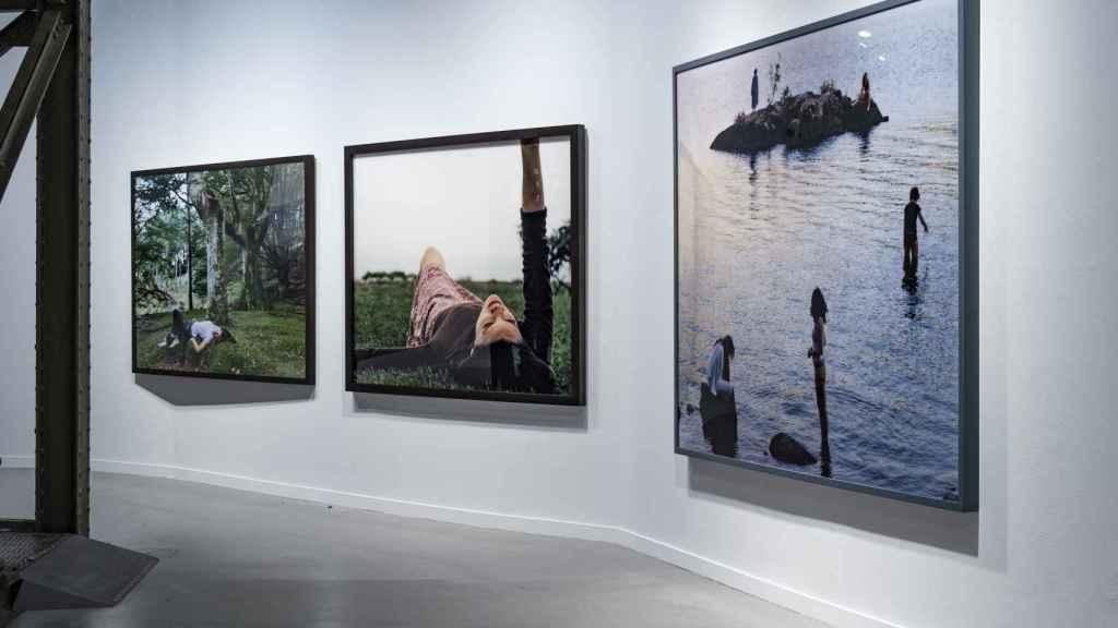 Algunas de las fotografías de 'Paraísos', uno de los espacios que componen 'Autoras de utopías'.