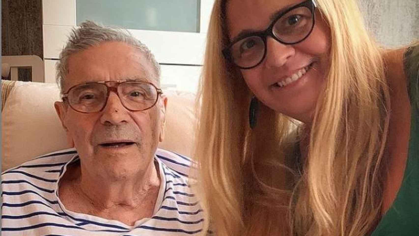 Loreto Valverde junto a su padre Lorenzo en una imagen de sus redes sociales.