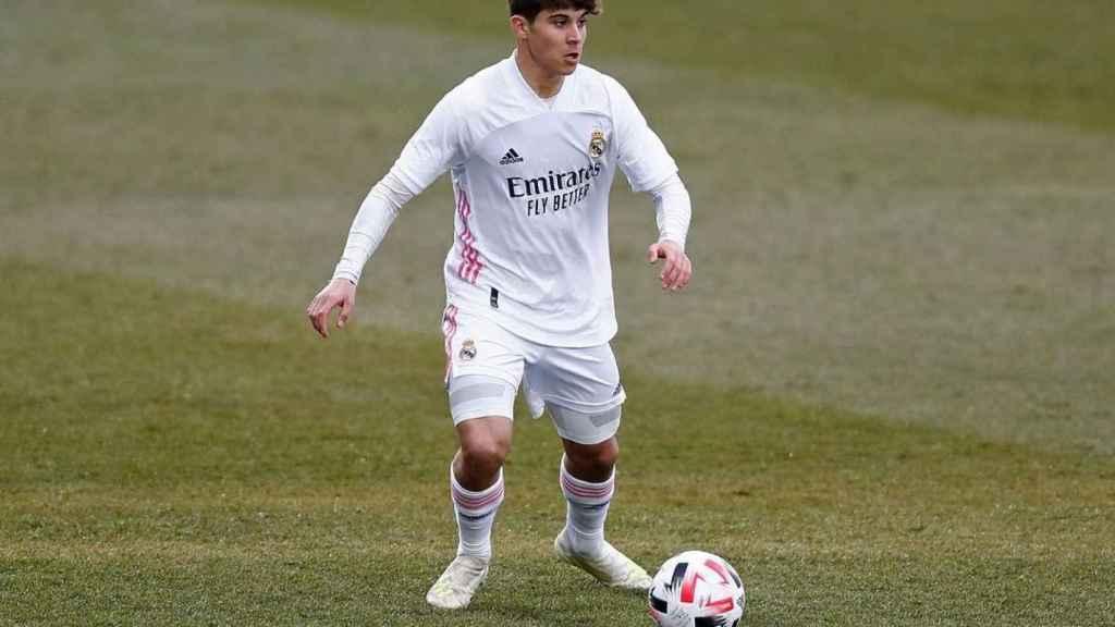 Loren Aguado, en un partido con el Real Madrid Juvenil. Foto: Instagram (lorenzo2aguado)