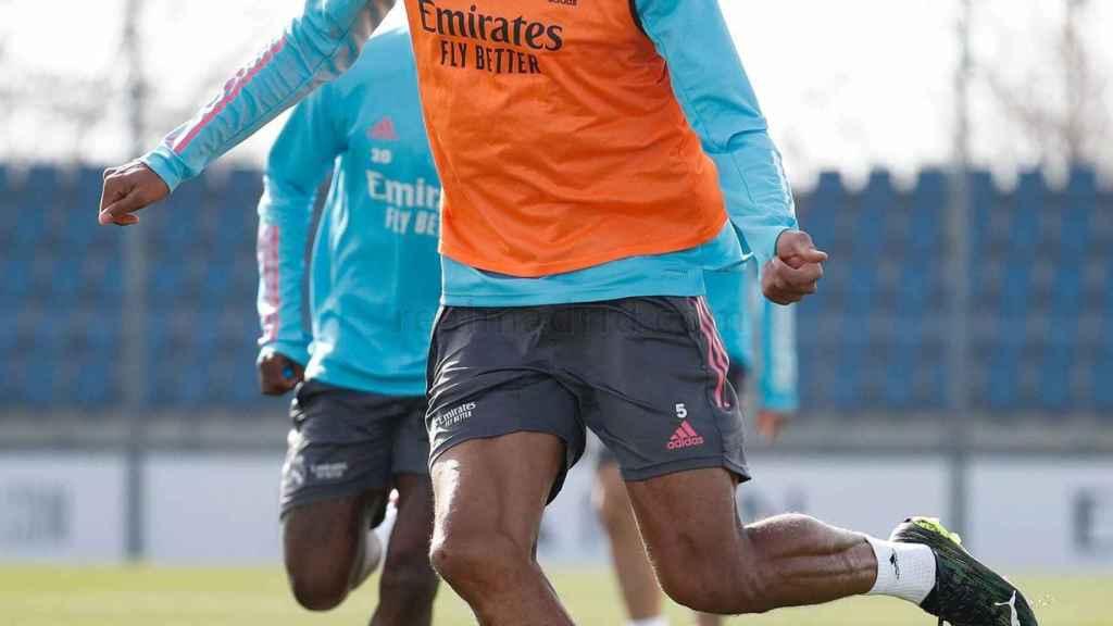 Raphael Varane, durante un entrenamiento del Real Madrid