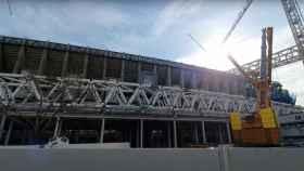 Una de las cerchas longitudinales del Estadio Santiago Bernabéu