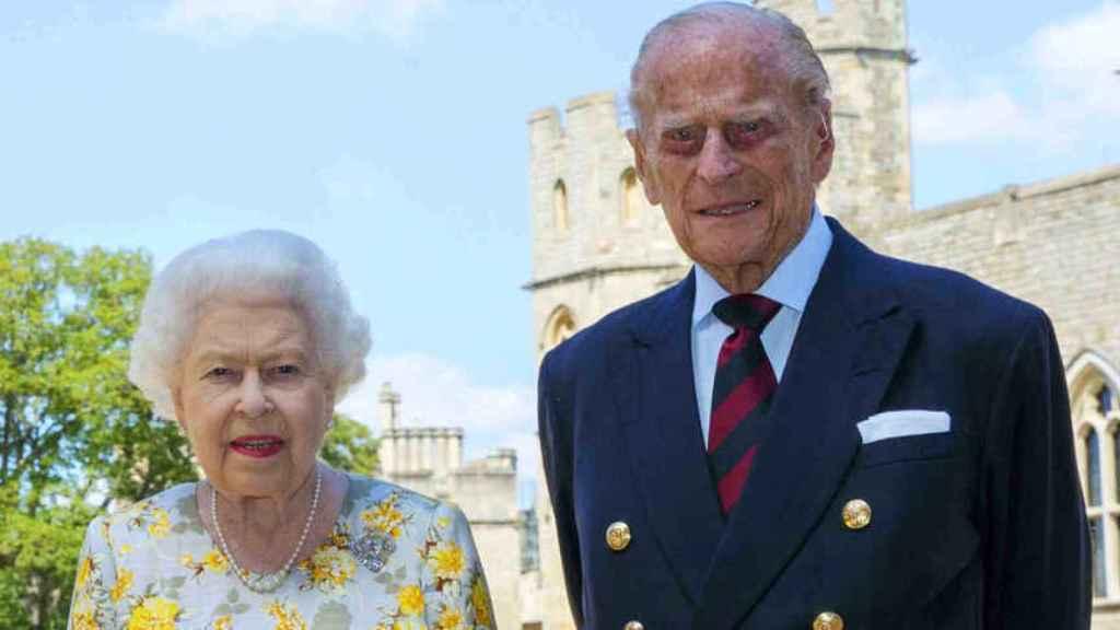 Isabel II y el duque de Edimburgo.