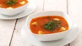 Cómo hacer sopa de tomate casera de forma fácil