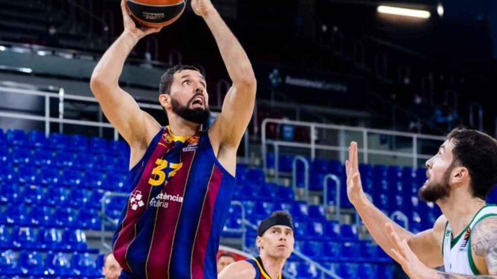 Mirotic lanzando a canasta en el Barça-Zalgiris