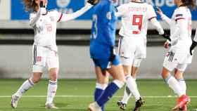 La selección española femenina celebra uno de sus goles ante Azerbaiyán
