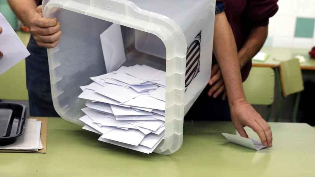 Urna del referéndum del 1-O. Efe