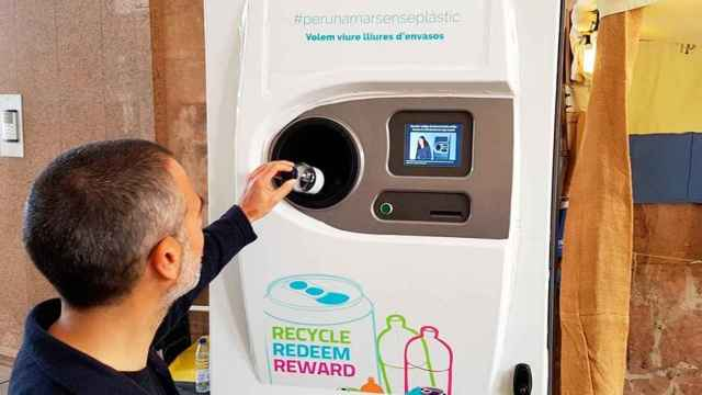 Imagen de un sistema SDDR de recogida y reciclaje de envases