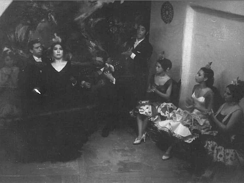 Debut en el tablao sevillano de Los Gallos de la bailaora Yoko Komatsubara en los años 60.