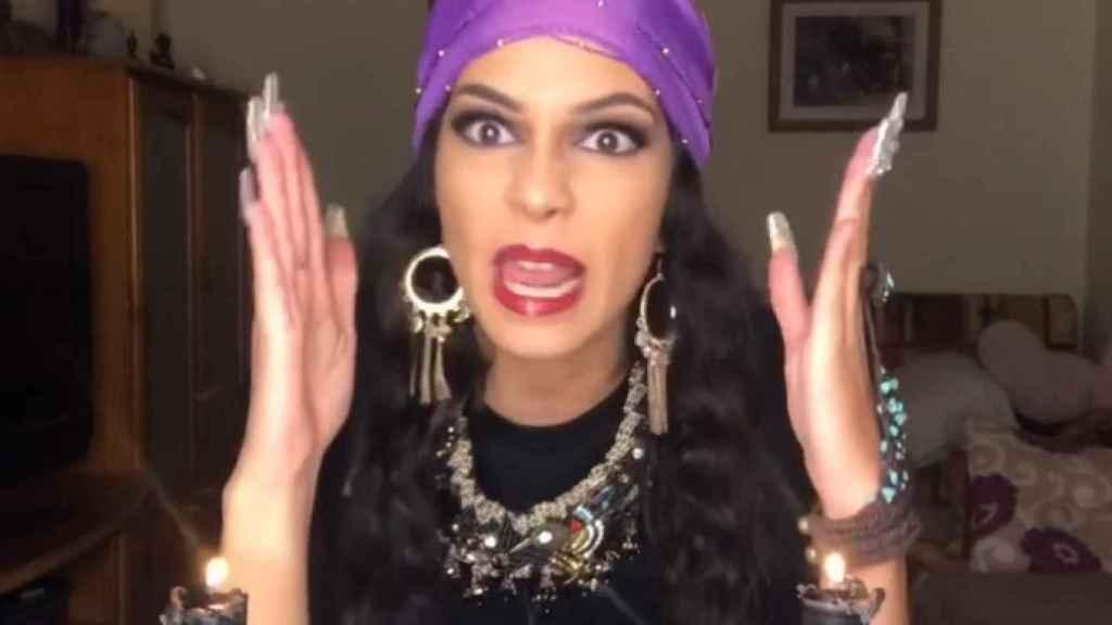 'La hija del jeque' encarnando a uno de sus personales virales, 'La Putonisa'.