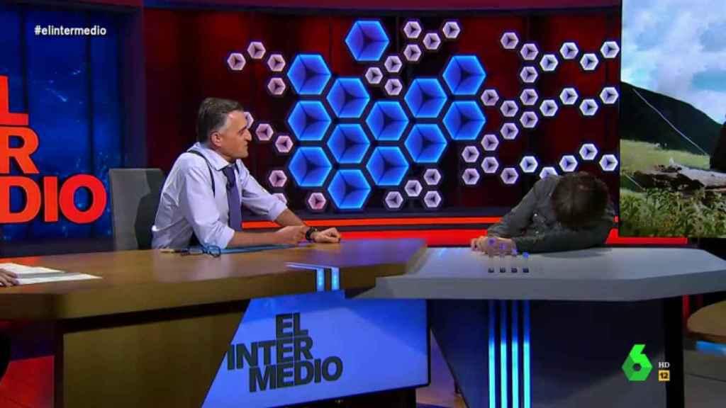 Jordi Évole sufre un episodio de cataplexia en directo en 'El Intermedio'