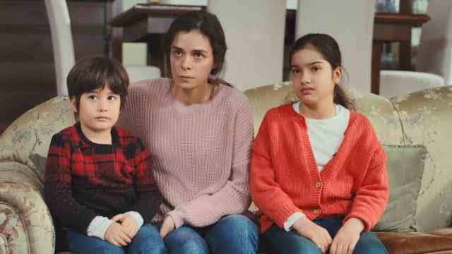 Avance en fotos del capítulo 52 de 'Mujer' que Antena 3 emite este lunes 22
