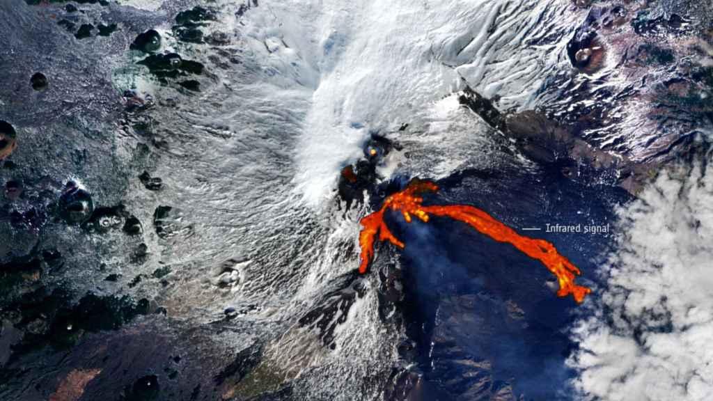 Imagen de la erupción del Etna tomada por la ESA.