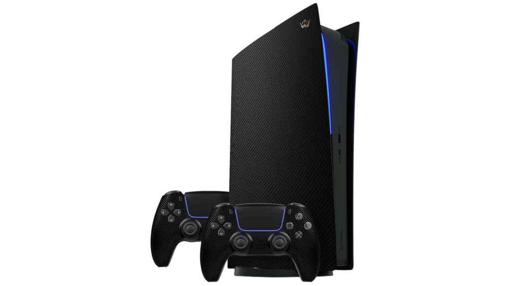 También existe una PlayStation cubierta de fibra de carbono