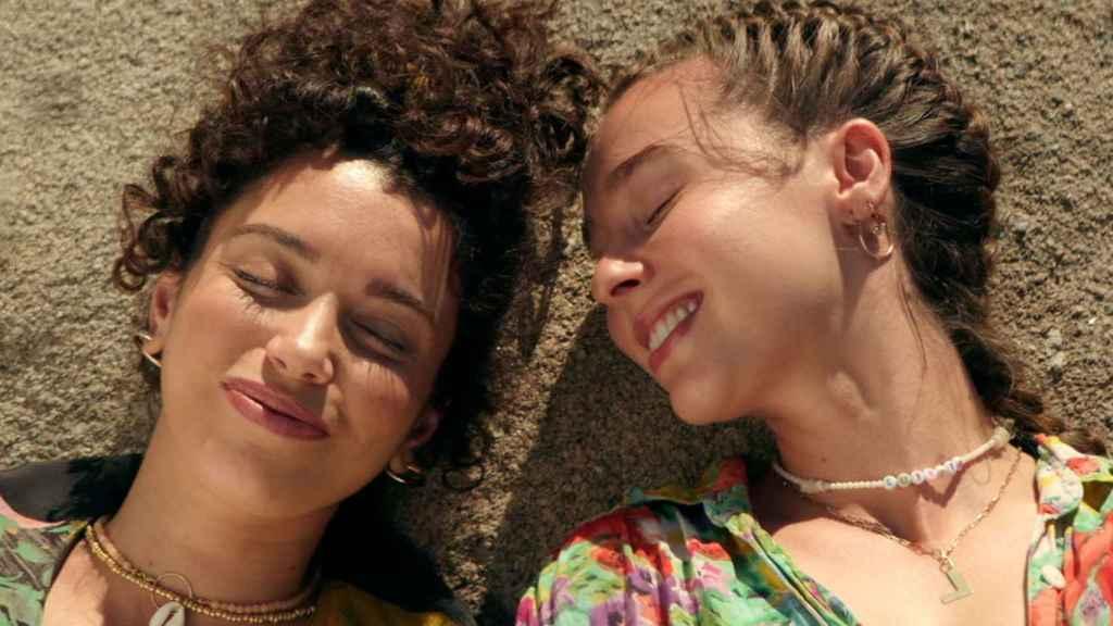 Carol Rovira y Paula Usero en el final de la tercera temporada.