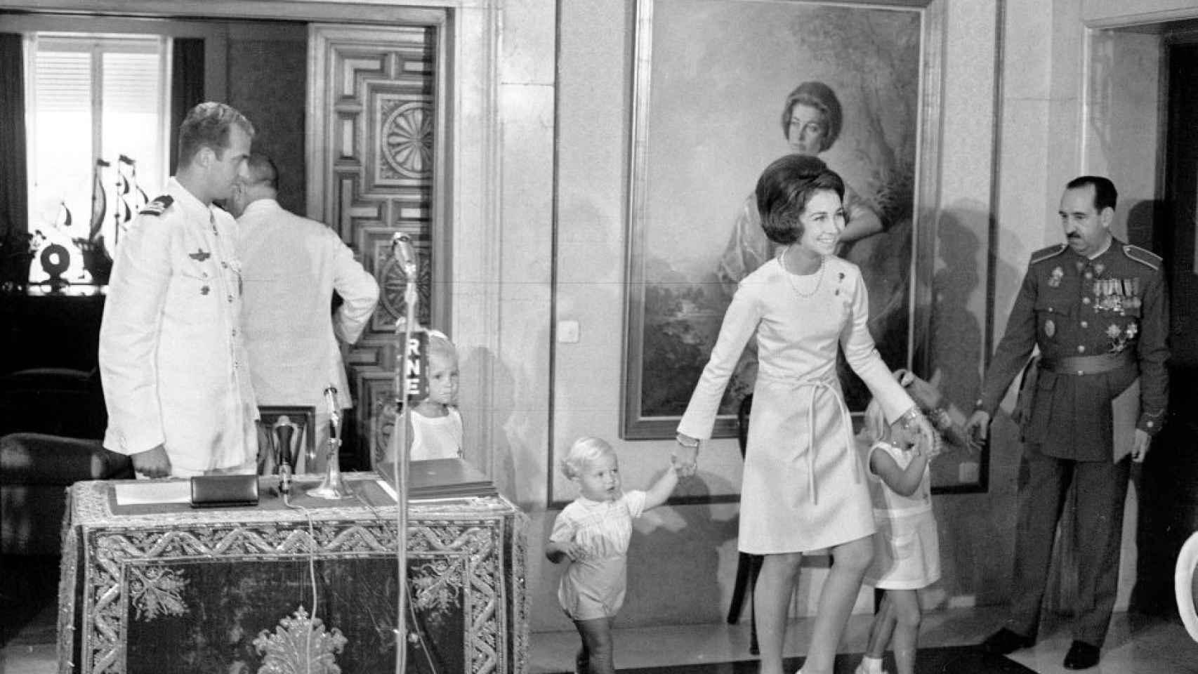 Juan Carlos I y el general Armada: la relación que alimenta las teorías de  la conspiración sobre el 23-F