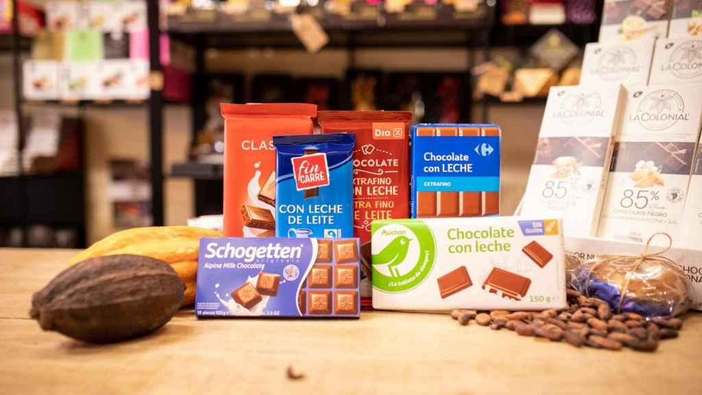 Las seis tabletas de chocolate con leche de los supermercados analizadas en la cata.