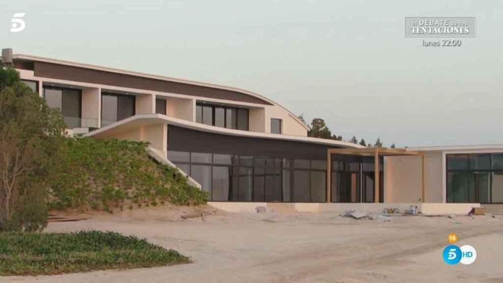 La imagen de la villa donde vive Juan Carlos I en Abu Dabi, según 'Viva la vida'.