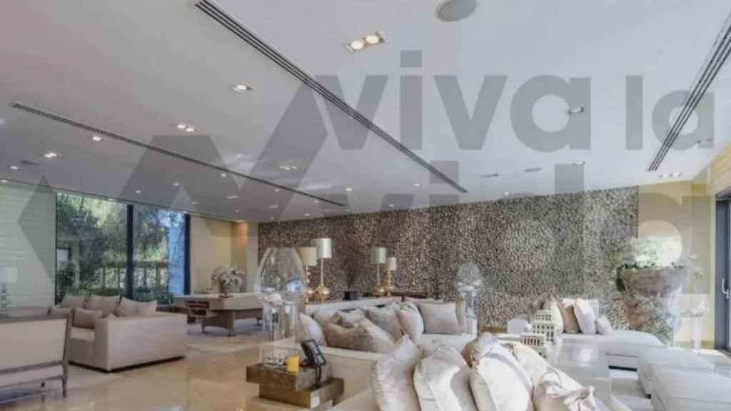 El gran salón de la villa de Juan Carlos en Emiratos.