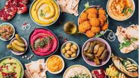 arabic-traditional-cuisine-middle-eastern-meze-with-pita-olives-picture-id1271870386