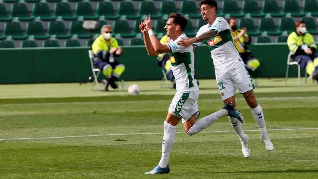 Dani Calvo celebra su gol con el Elche contra el Eibar