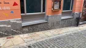Las pintadas que han aparecido este domingo en Lekeitio.