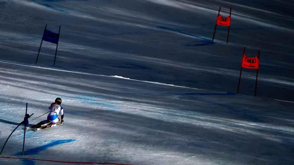 Una participante en los mundiales de esquí Alpino de Cortina d'Ampezzo