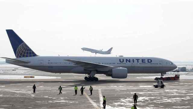 Un avión Boeing 777 en el aeropuerto Internacional de Chicago en una imagen de archivo.