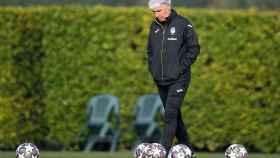 Gian Piero Gasperini, durante el último entrenamiento antes de enfrentarse al Real Madrid