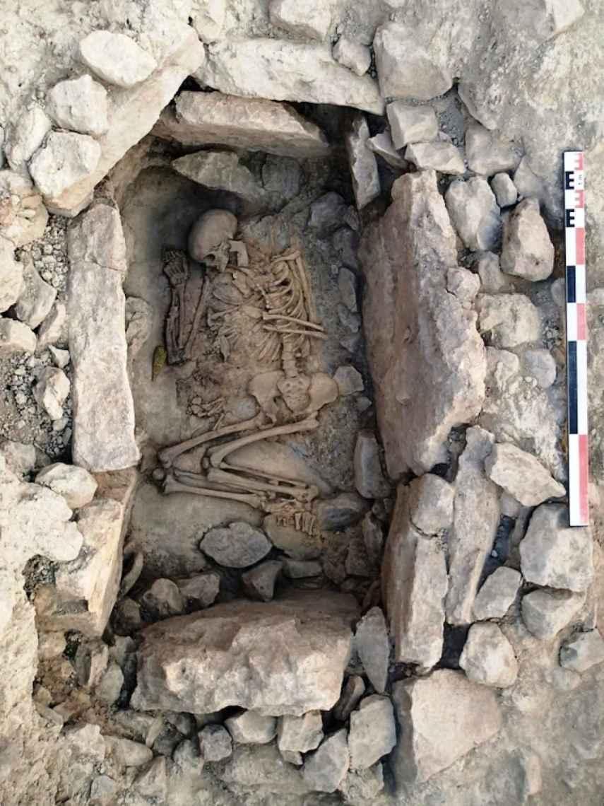 Una de las tumbas en cista de La Almoloya.