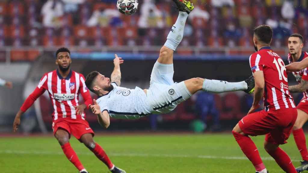 Olivier Giroud marca de chilena en el Atlético de Madrid - Chelsea de la Champions League
