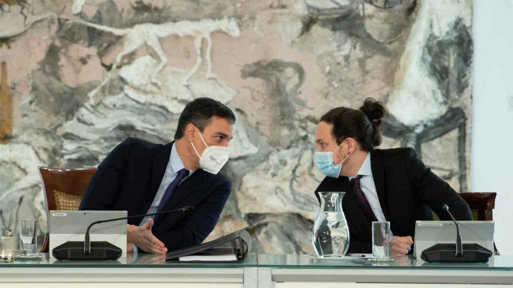 Pedro Sánchez y Pablo Iglesias, durante la reunión del Consejo de Ministros.