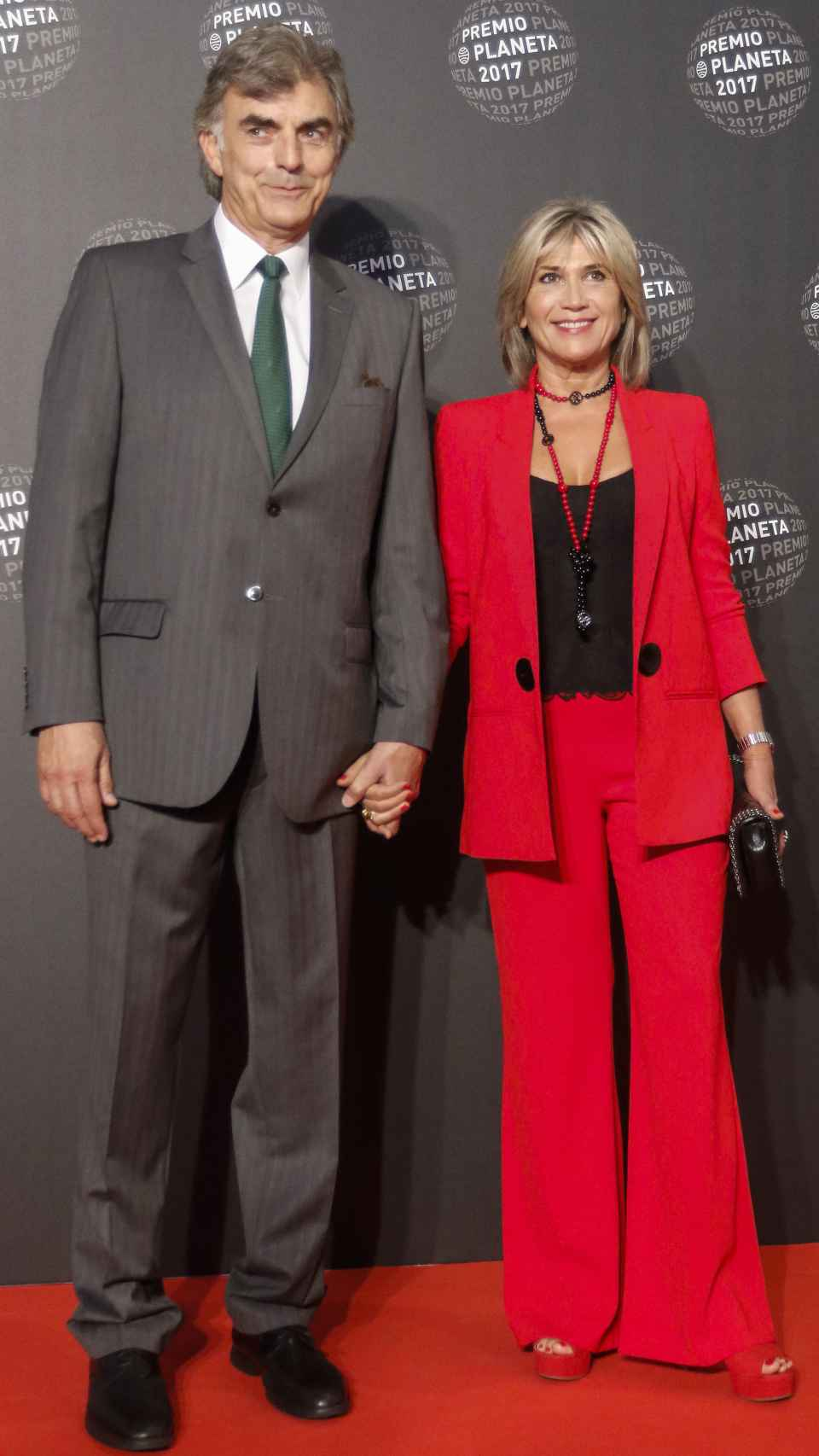 Julia junto a su pareja Josep en 2017.