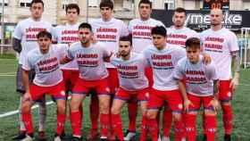 Los jugadores del SD Solares, con camisetas de ánimo para Mario Canales. Foto: Twitter (@SDSolares1969)