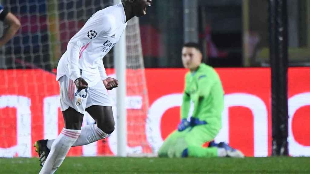 Ferland Mendy celebra su gol en el Atalanta - Real Madrid de la Champions League