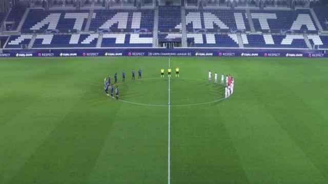 Minuto de silencio antes del Atalanta - Real Madrid