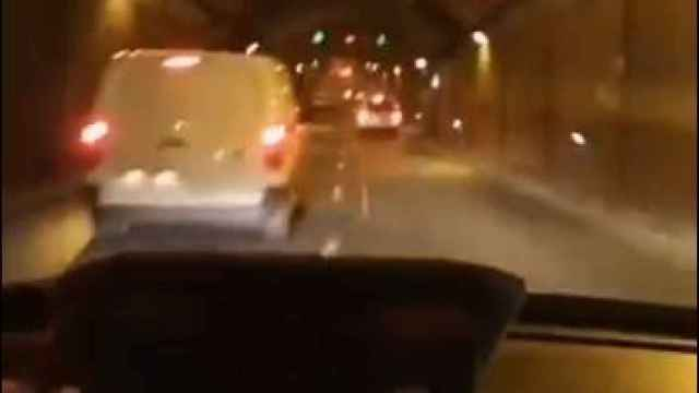 Detenido un taxista por conducción temeraria por los túneles de la M-30 de Madrid: este es el vídeo